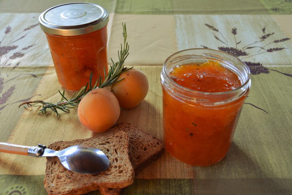 confiture d abricots au romarin au fil du thym