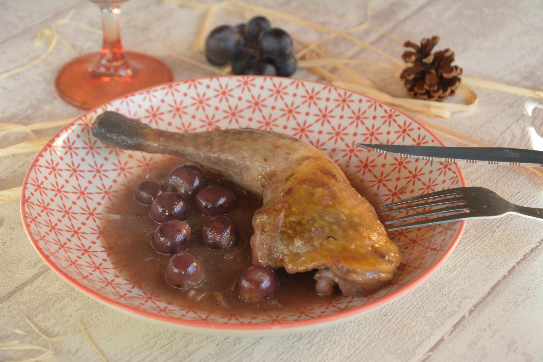 Cuisses de pintade au miel et aux petits raisins au fil - Comment cuisiner des cuisses de pintade ...