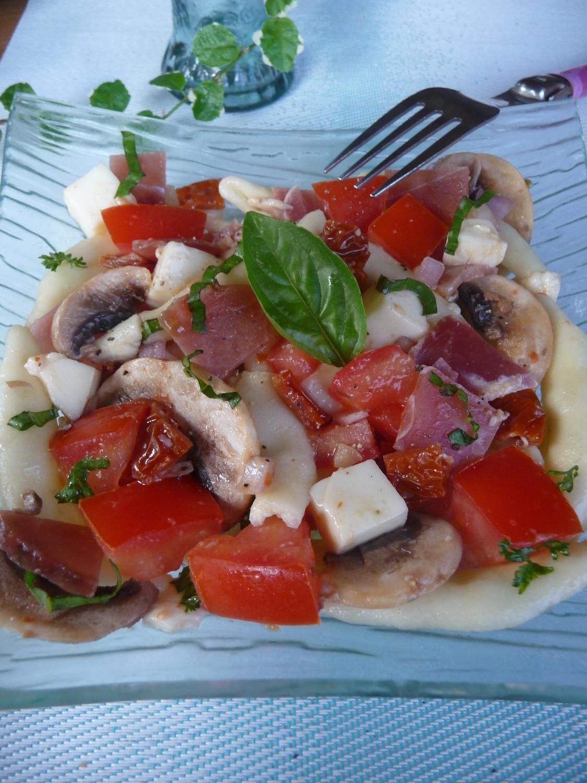 Salade de p tes aux saveurs italiennes jambon de parme - Salade de pates jambon ...