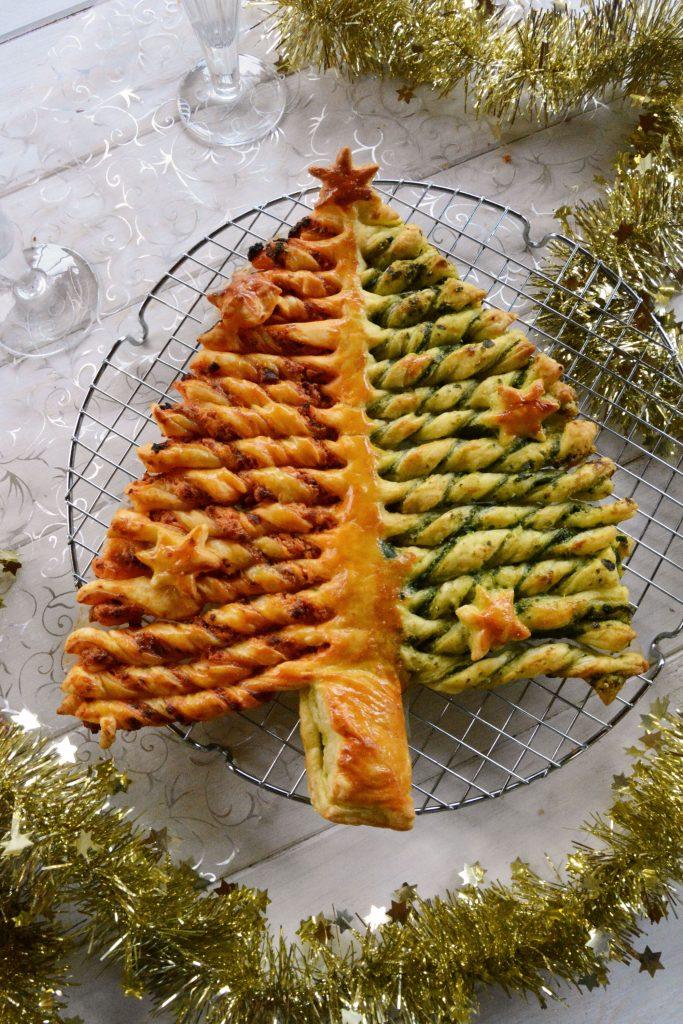 Sapin feuillet au chorizo et pesto d 39 pinards au fil du thym - Cuisiner une poularde pour noel ...