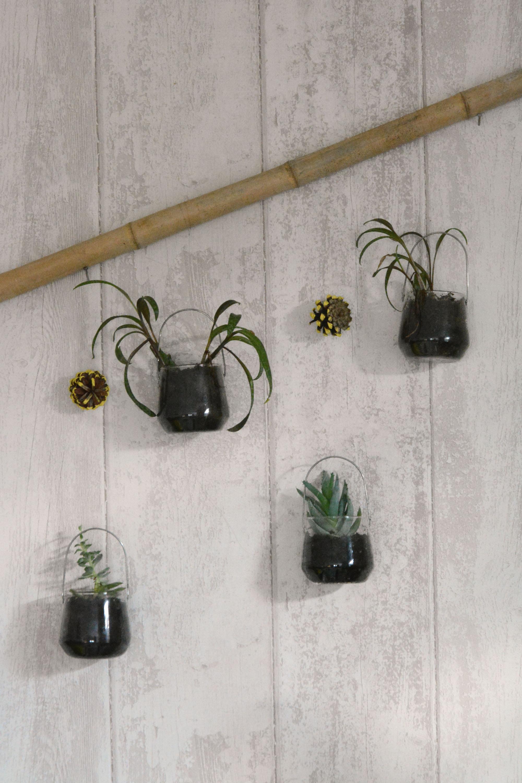 4 id es de d coration amusantes avec des plantes au fil - Suspension pour plante exterieur ...