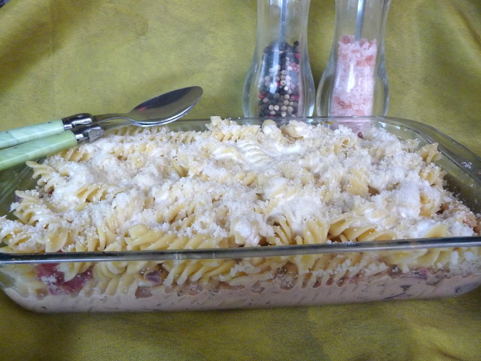 Gratin de pâtes à l'italienne (jambon cru, tomate, parmesan)