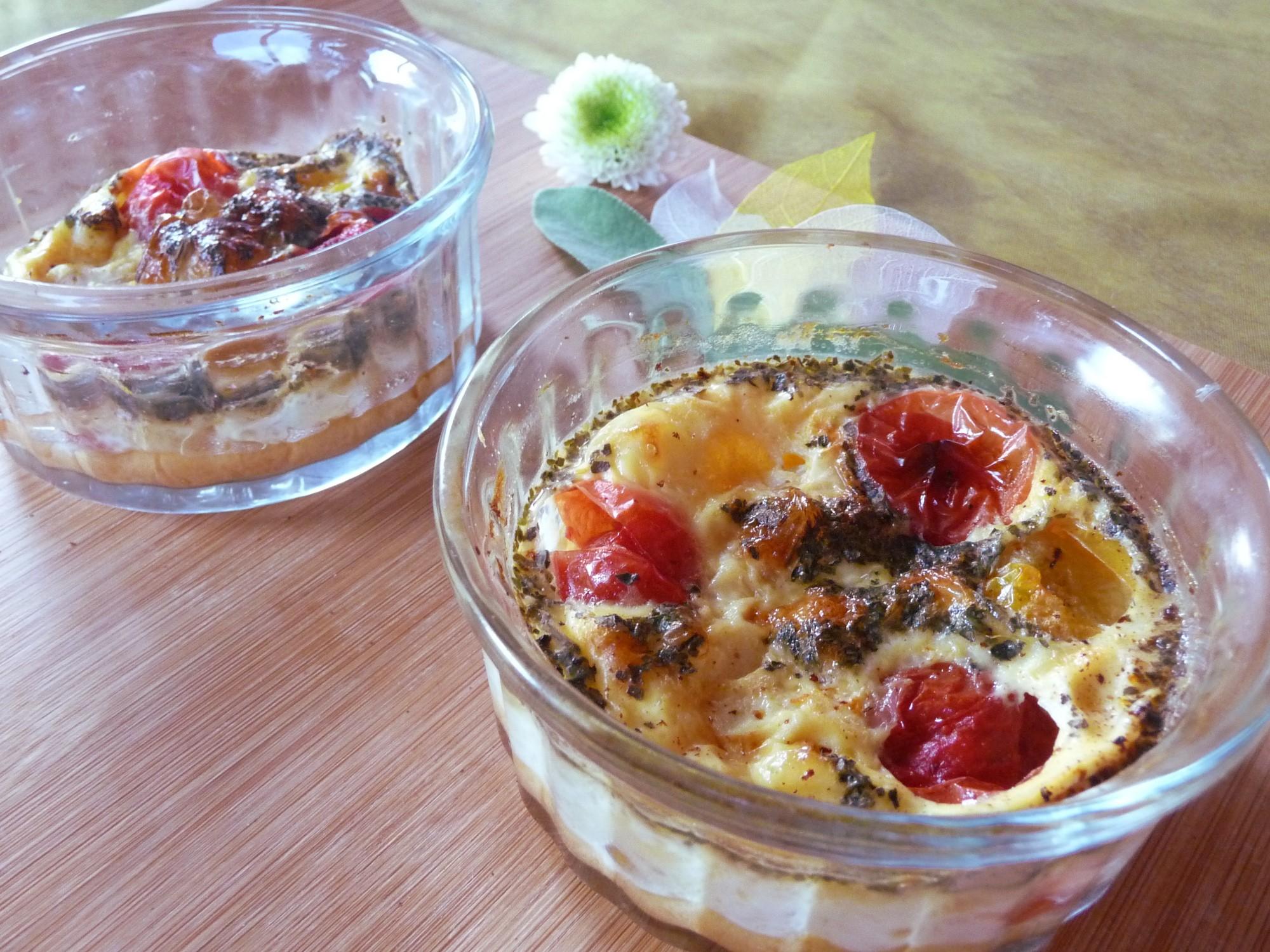 Petits clafoutis de tomates cerises et basilic