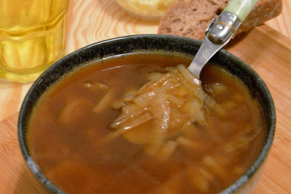 soupe à l'oignon et vin blanc