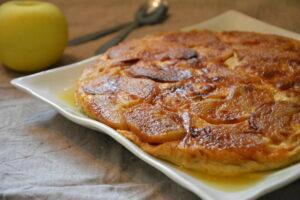 Flognarde aux pommes caramélisées