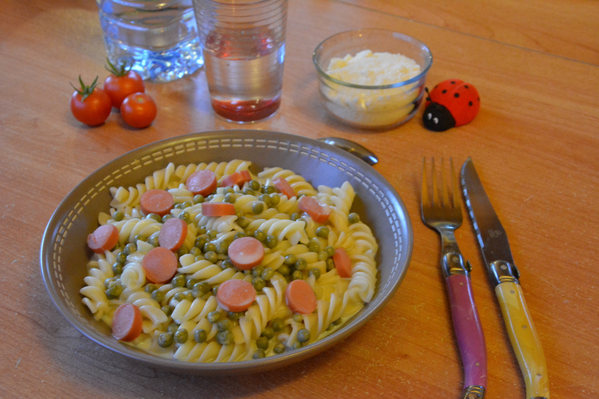 """""""One pan pasta"""" knackis et petits pois"""