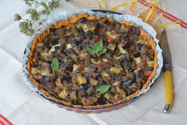 Tarte à l'aubergine, tomate, chèvre et origan