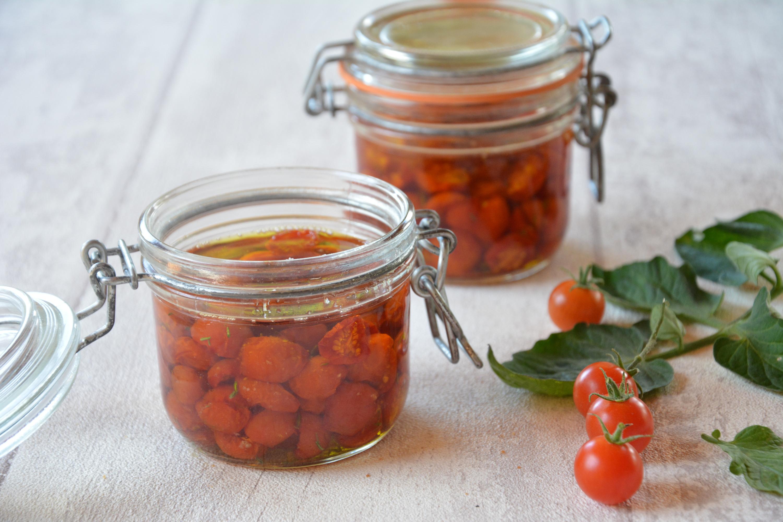 conserves de tomates cerises tomates confites au fil du thym. Black Bedroom Furniture Sets. Home Design Ideas