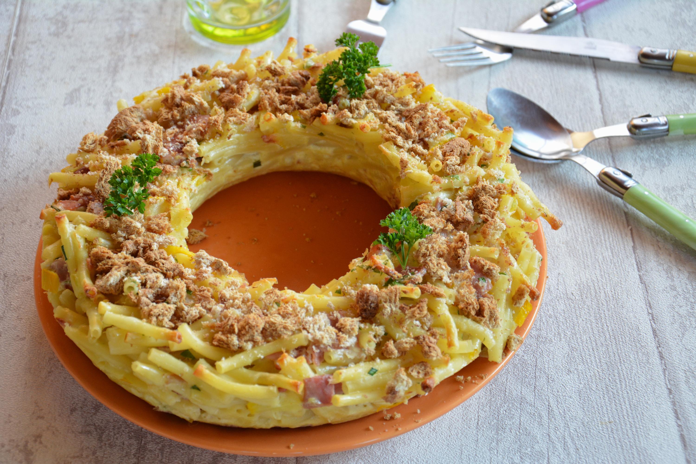 Macaronis en couronne gratinée, au jambon et fromage {cuisine du placard}