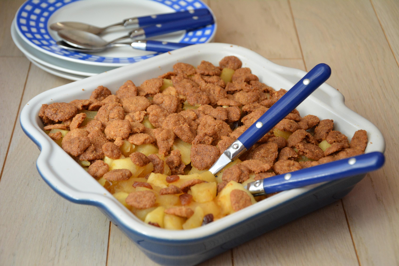 Crumble de pommes, noisettes et raisins