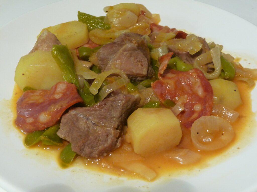 Saut de porc au chorizo au fil du thym - Cuisiner un saute de porc ...