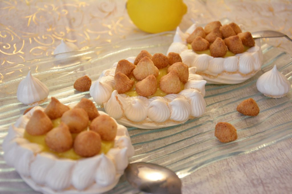 pavlova au citron et crumble sablé (ou tarte au citron meringuée inversée)