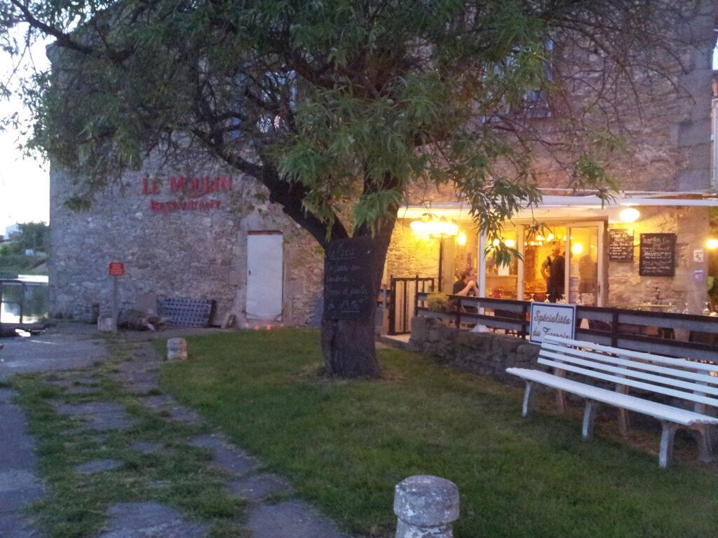 Vue du restaurant, depuis le canal du Midi
