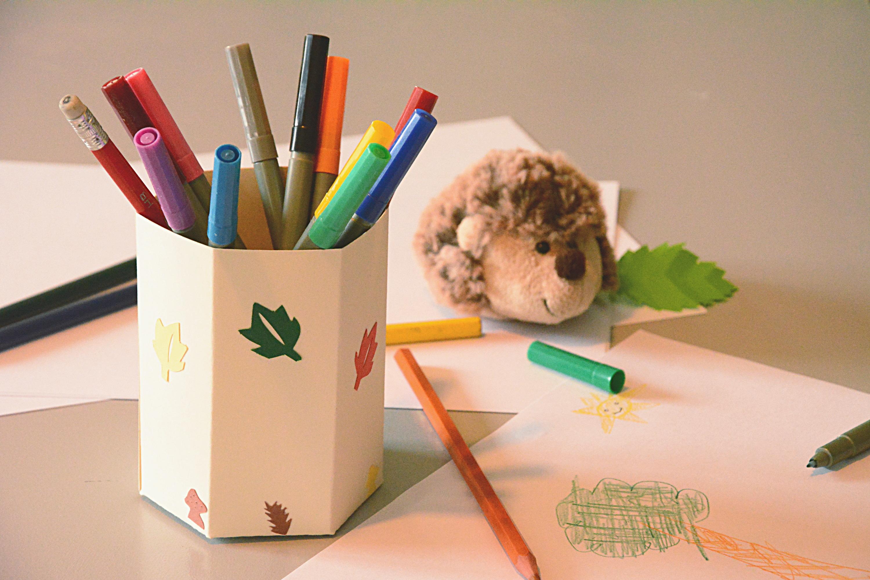 diy un pot crayon en carton d cor pour son bureau d 39 colier kirigami au fil du thym. Black Bedroom Furniture Sets. Home Design Ideas