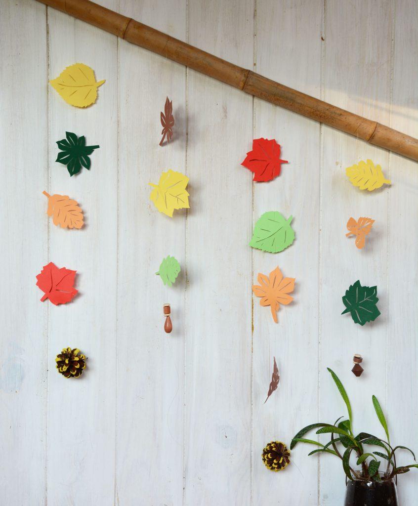 Décoration feuilles d'automnes en papier - DIY automne facile - Au Fil du Thym / mobile-feuille-automne