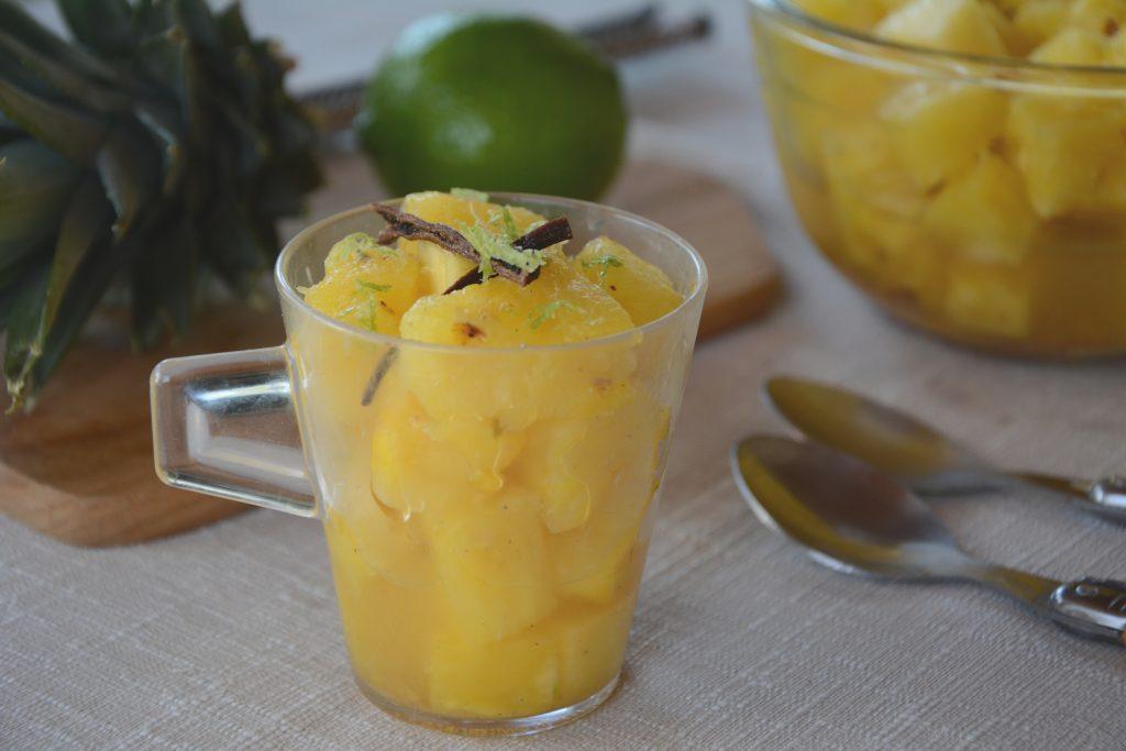 salade ananas citron vert et épices - Un petit dessert léger et fruité !