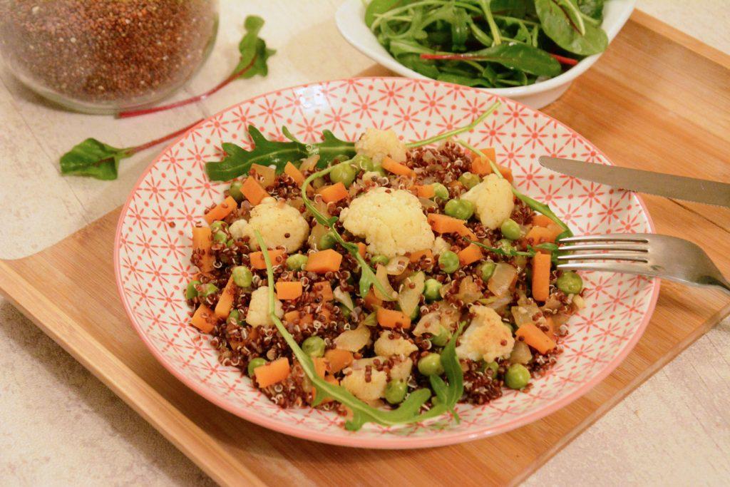 poêlée quinoa légumes d'hiver (petits pois, choux fleur, carotte)