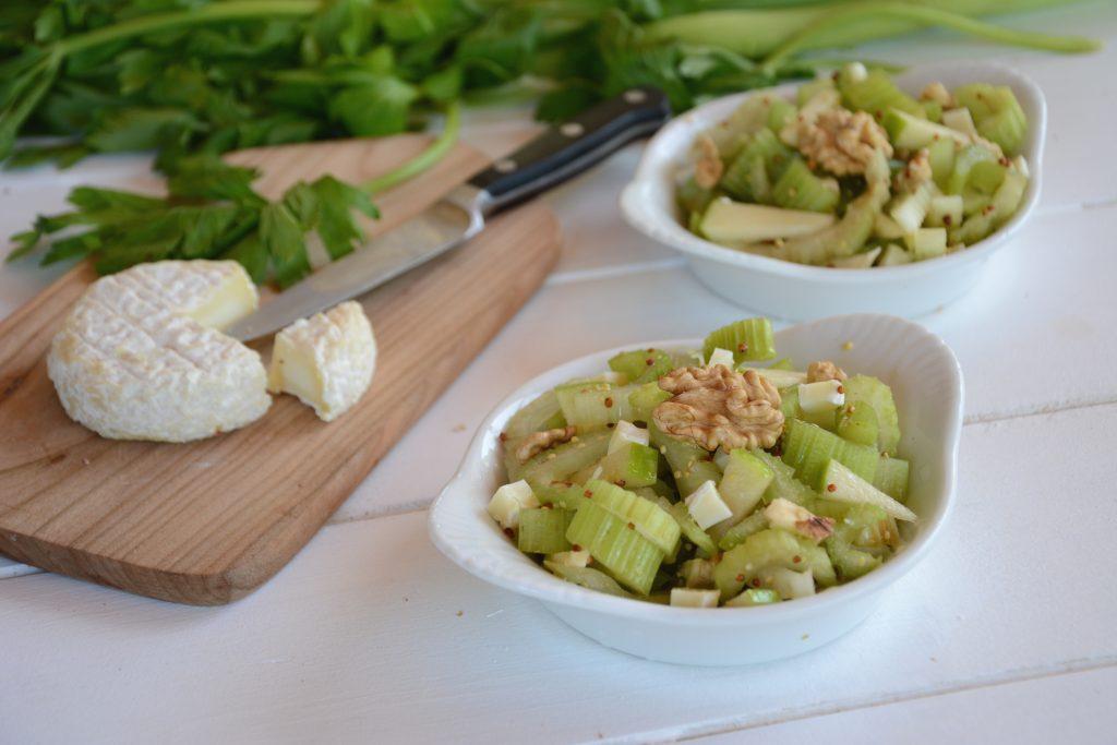 Salade céleri branche, pomme noix et fromage de cèvre - Au Fil du Thym