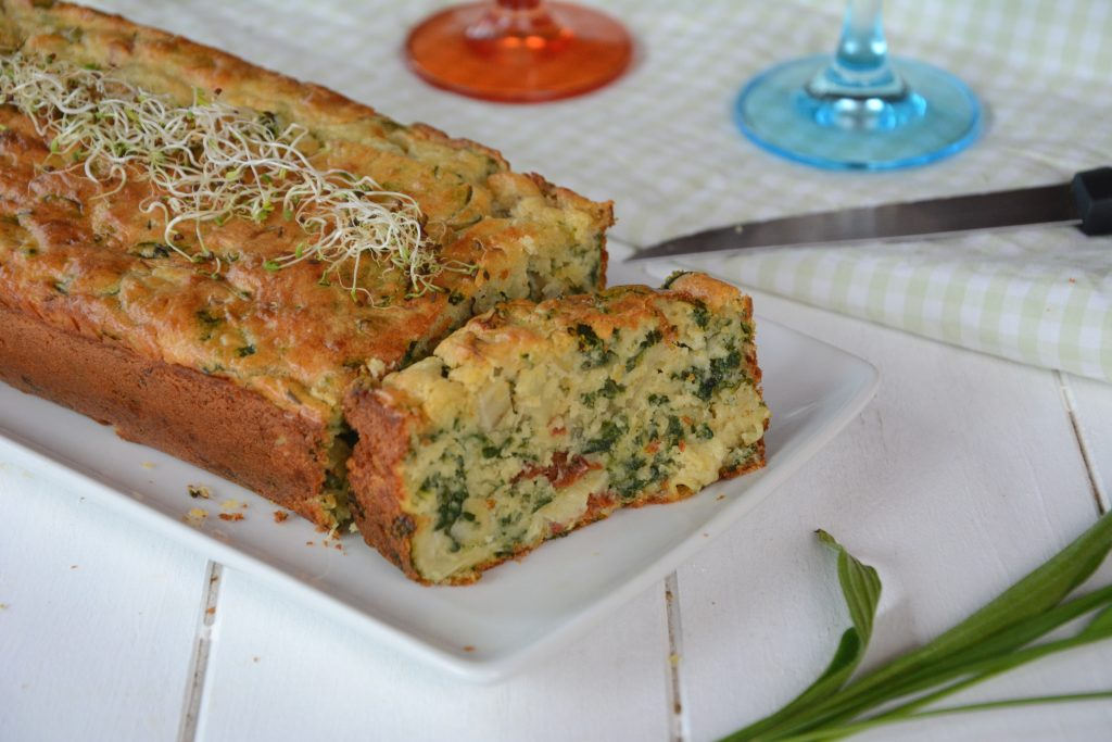 Cake blettes roquefort tomate séchées - idée apéro