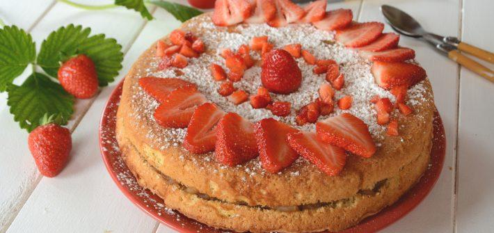 Biscuit ou gâteau pomme fraises