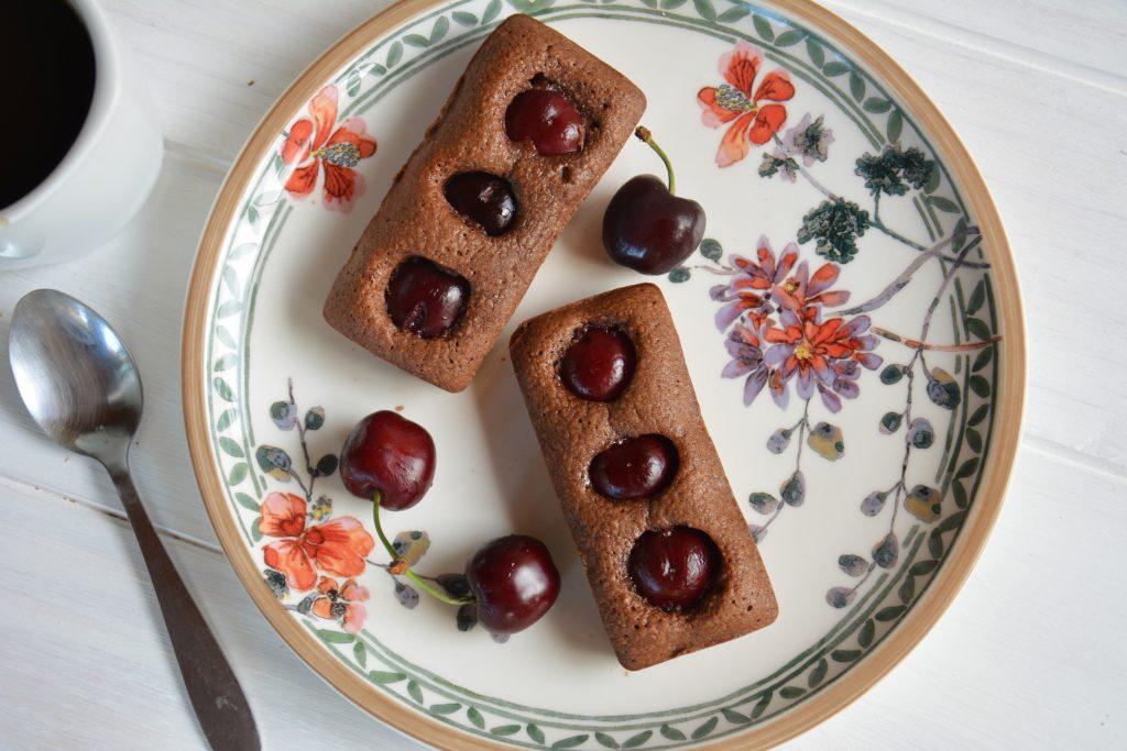 financiers chocolat noir cerises - petite idéee facile pour le goûter