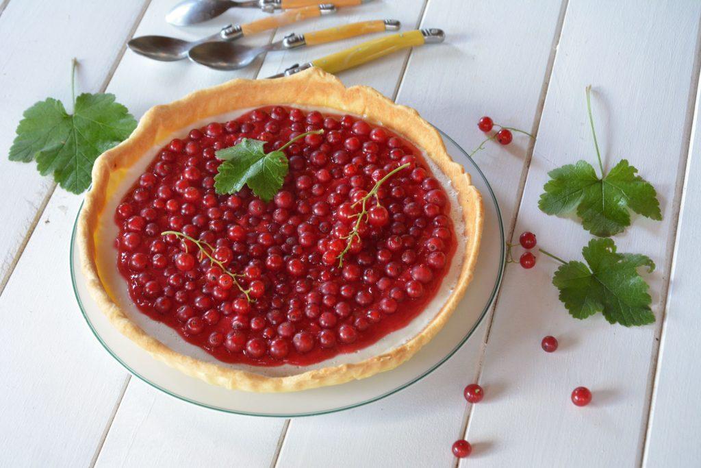 Tarte pana cotta coco groseille - dessert très frais, facile, croustillant et fondant !