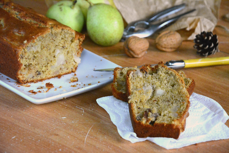 Cake d'automne poires, noix, noisette