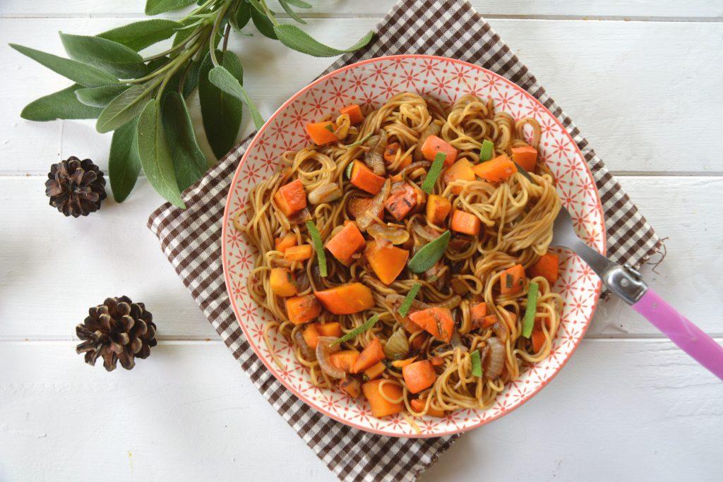 nouilles sautées potimarron et à la sauge - cuisine facile et rapide
