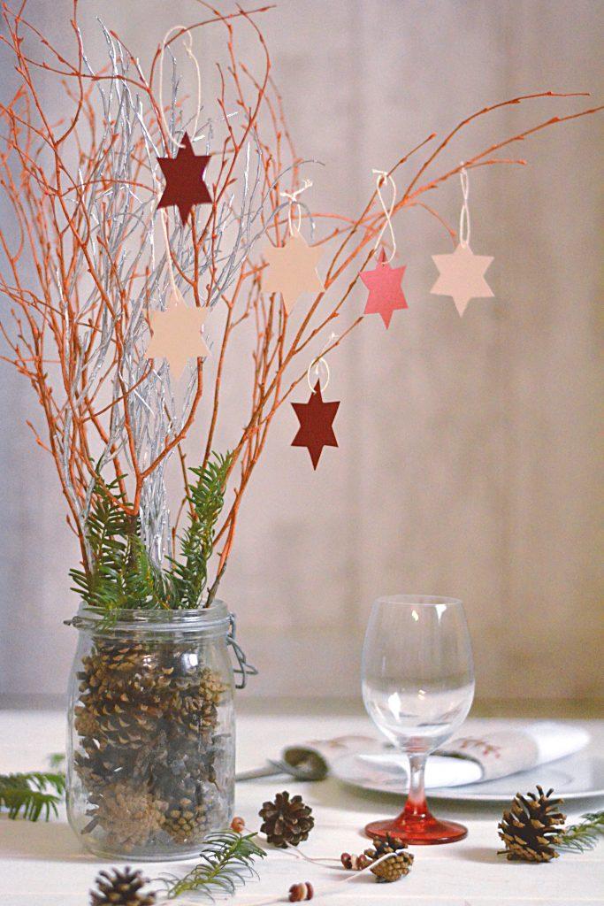 Vase à branches étoiles - idée déco table esprit nature