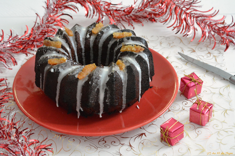 Gâteau de Noël au chocolat, épices et écorces d'orange confites