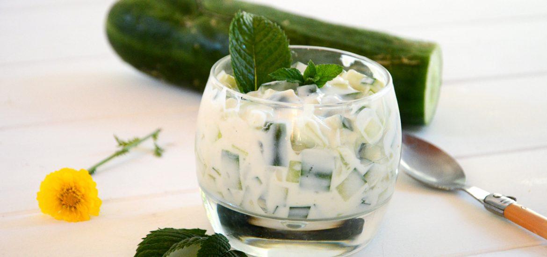 Raîta concombre - recette fraîche et facile pour l'été - Au Fil du Thym