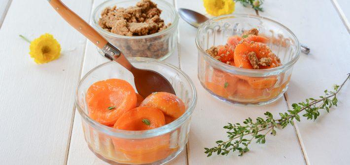 abricots poeles - crumble noisette - au fil du thym