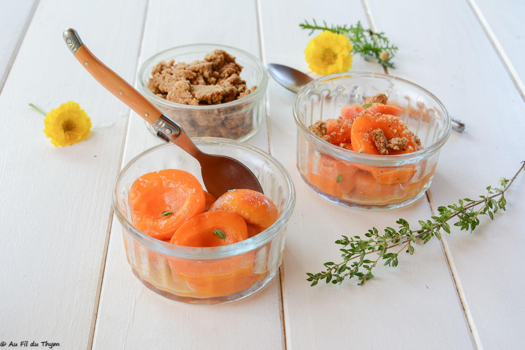 """Abricots poêlés & crumble de noisette (dessert """"minute"""")"""