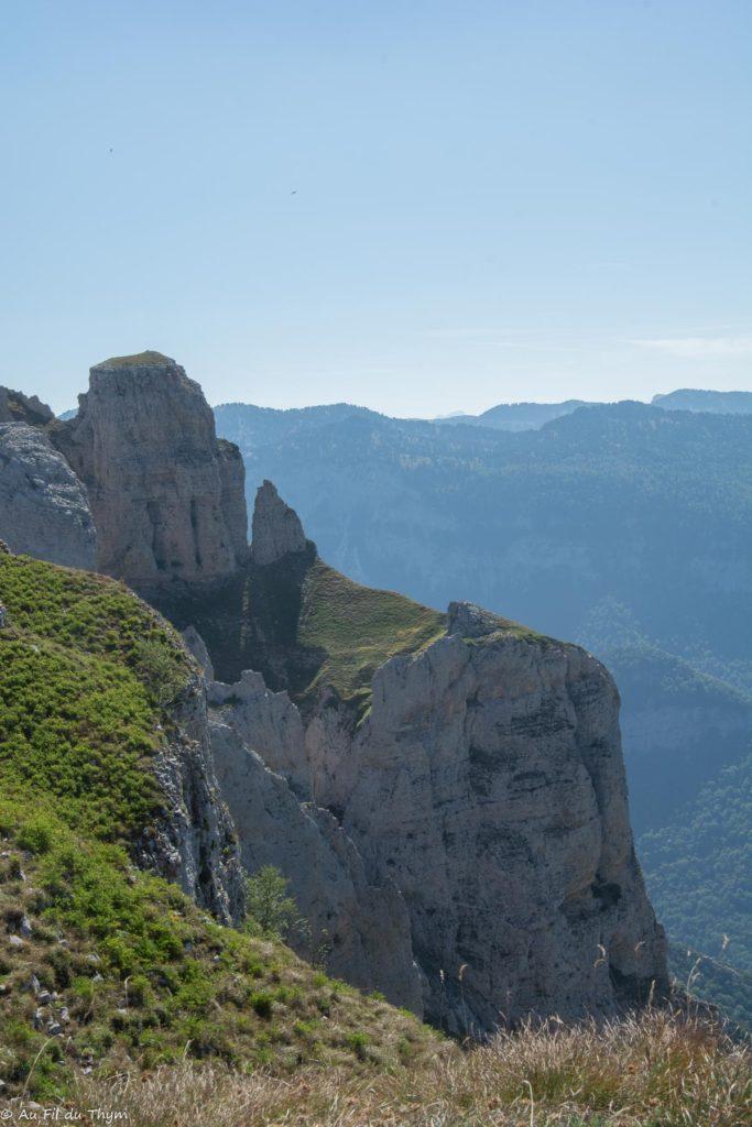 Randonnée plateau Beure (Vercors) - Vue sur les falaises