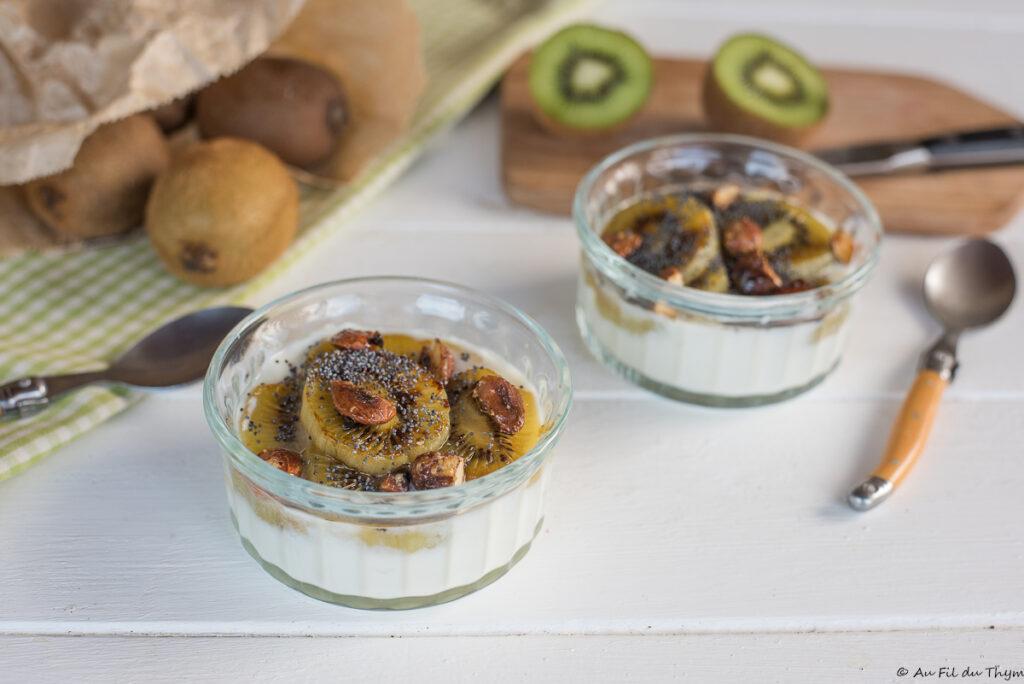 Kiwi poêlés, fromage blanc et amandes caramélisées - Dessert kiwi léger - Au Fil du Thym