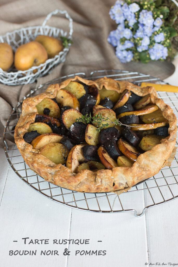 Tarte rustique boudin noir et deux pommes - Idée gourmande - Au Fil du Thym