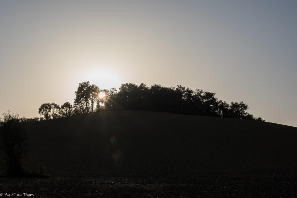 Lever de soleil dans le gers à l'automne