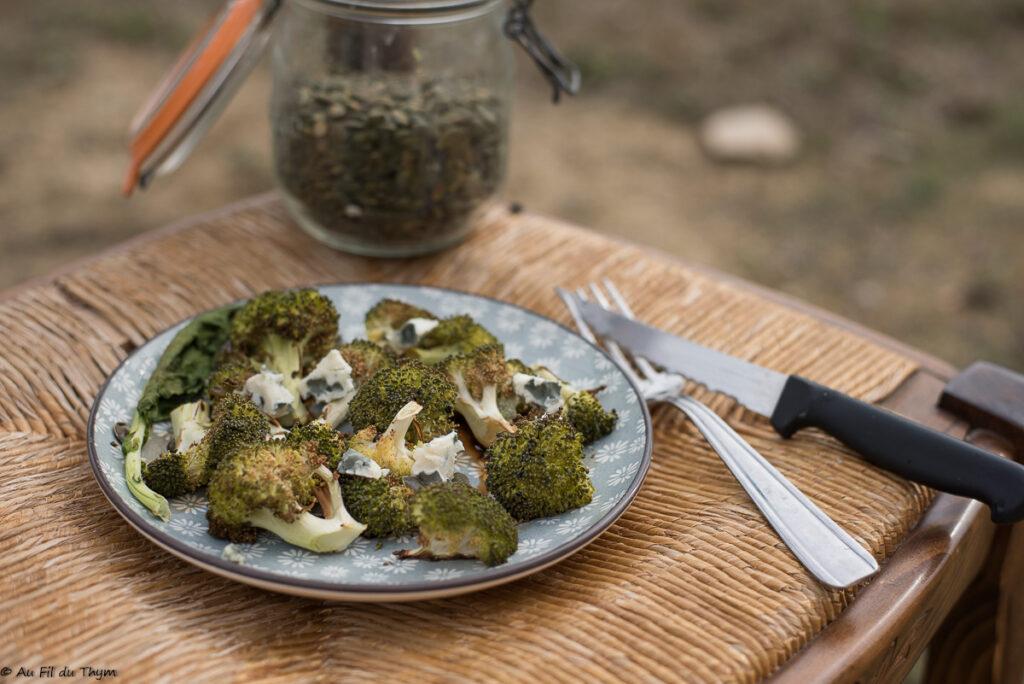 Brocolis rôti au four et au roquefort