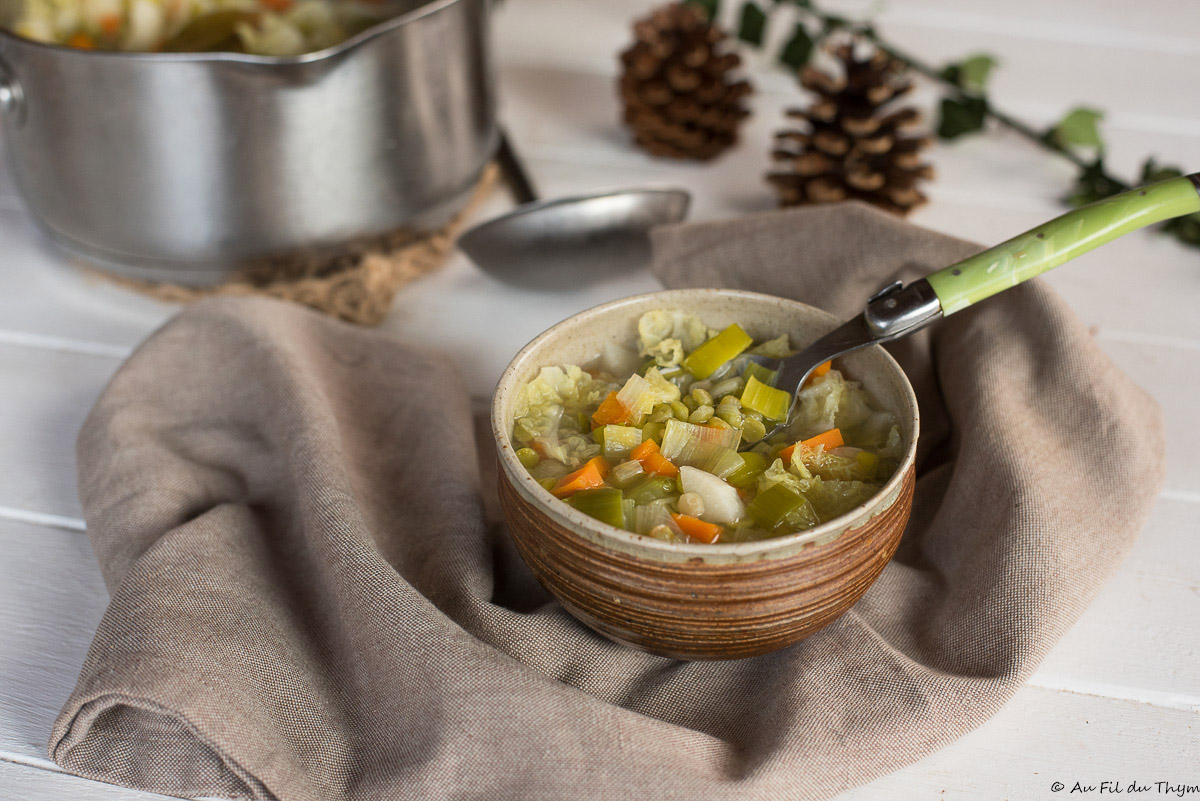 Soupe paysanne aux pois cassés (et chou vert)