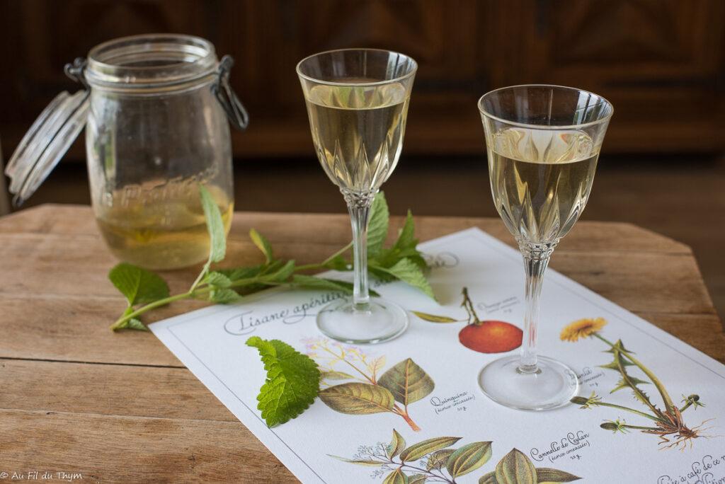Vin de mélisse (maison, très frais) - Au Fil du Thym