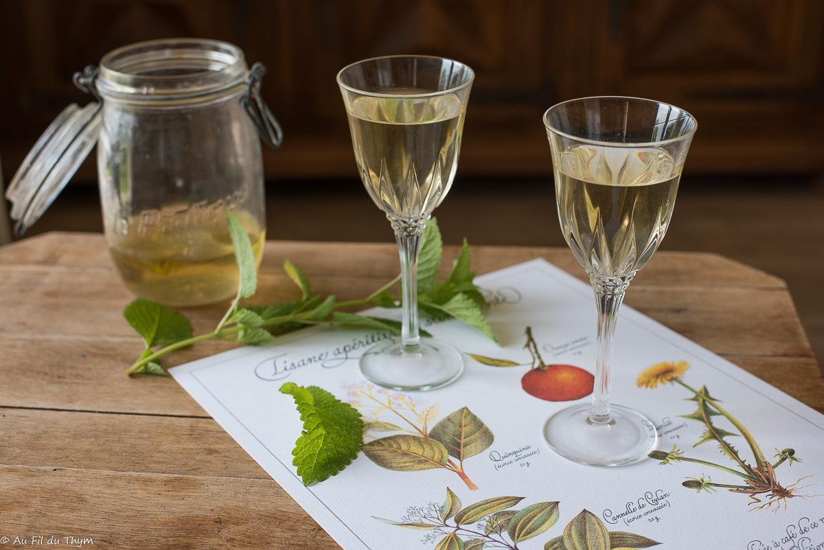 Vin de mélisse (maison, apéritif très frais)