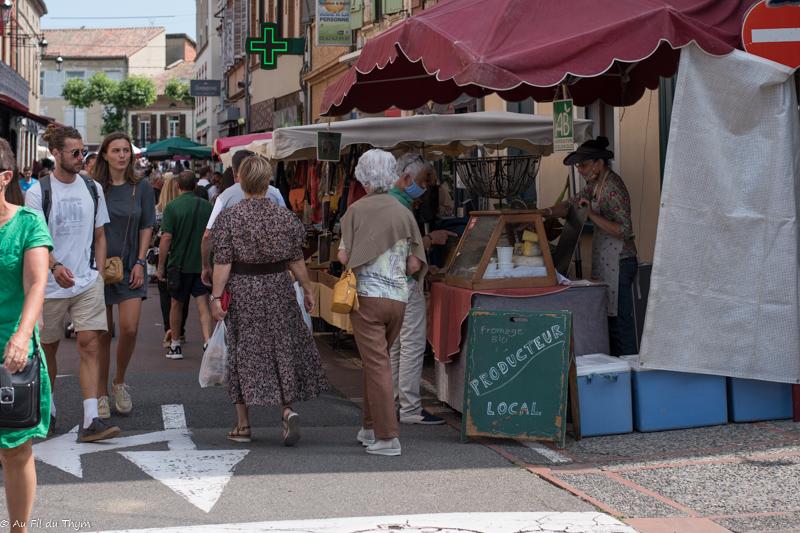 Astuces faire son marché : sélectionner les stands locaux