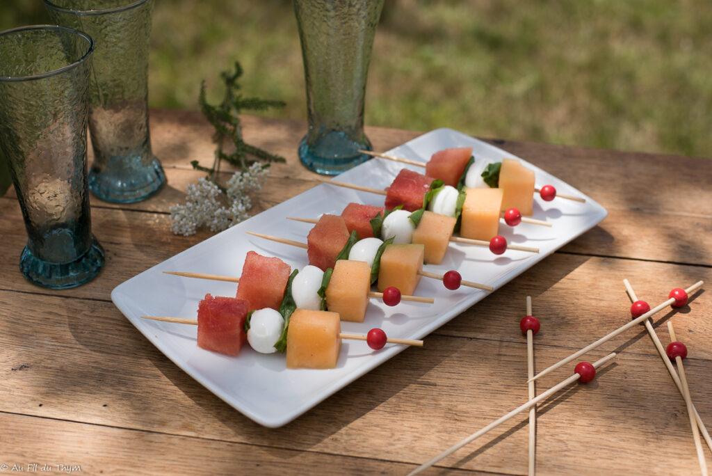 Brochette melon pastèque mozzarella - Au Fil du Thym