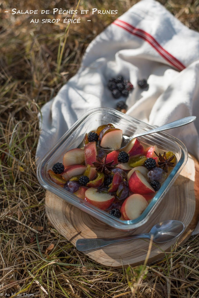 Salade pêches prunes au sirop épicé