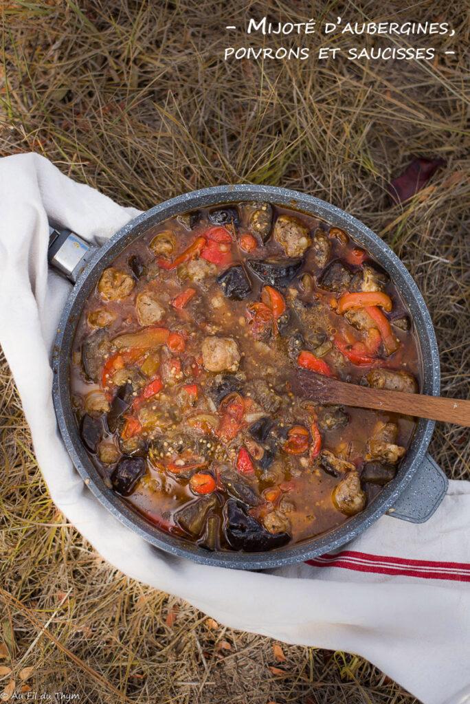 Mijoté aubergines saucisses et poivrons