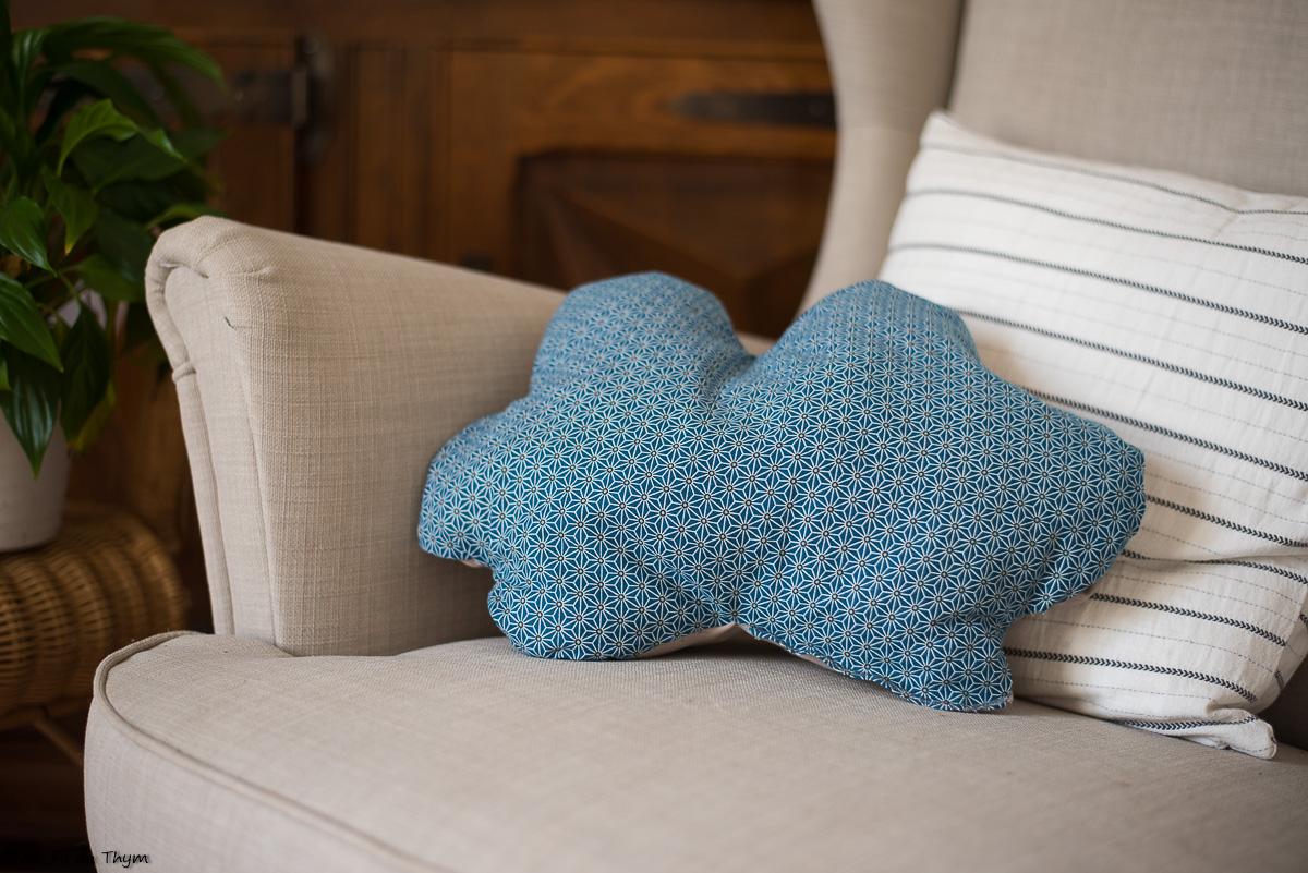 DIY – Coussin rigolo en chutes de tissu