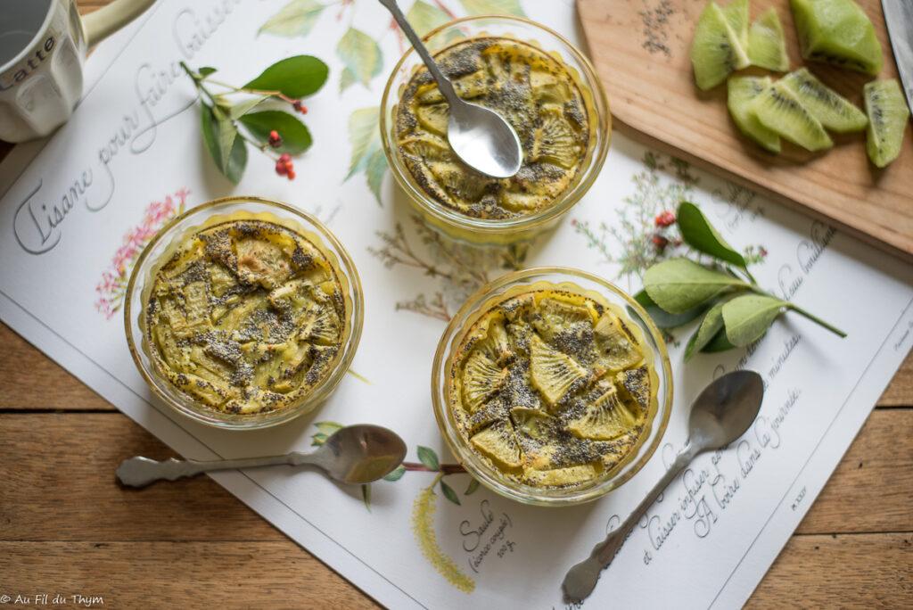 Clafoutis kiwi et graines de pavot - Au Fil du Thym
