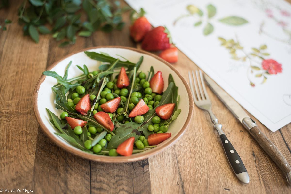 Salade petit pois, roquette, fraise - Au Fil du Thym