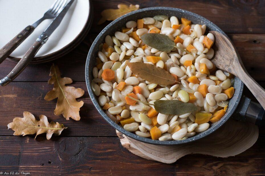 Haricots tarbais mijotés aux carottes et sauge - Au Fil du Thym